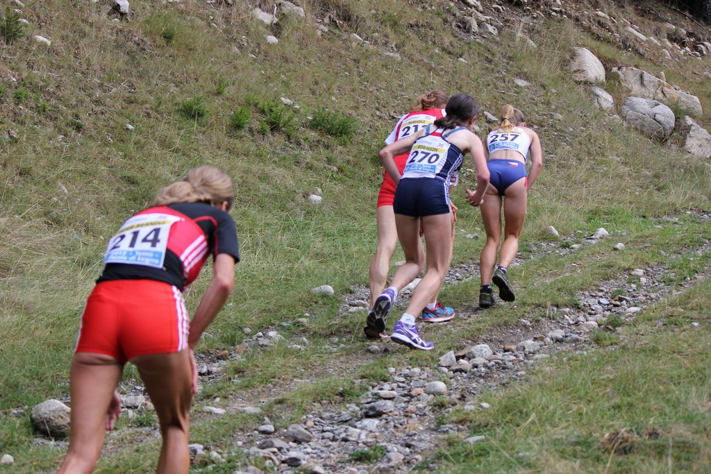 picture of runners struggling uphill